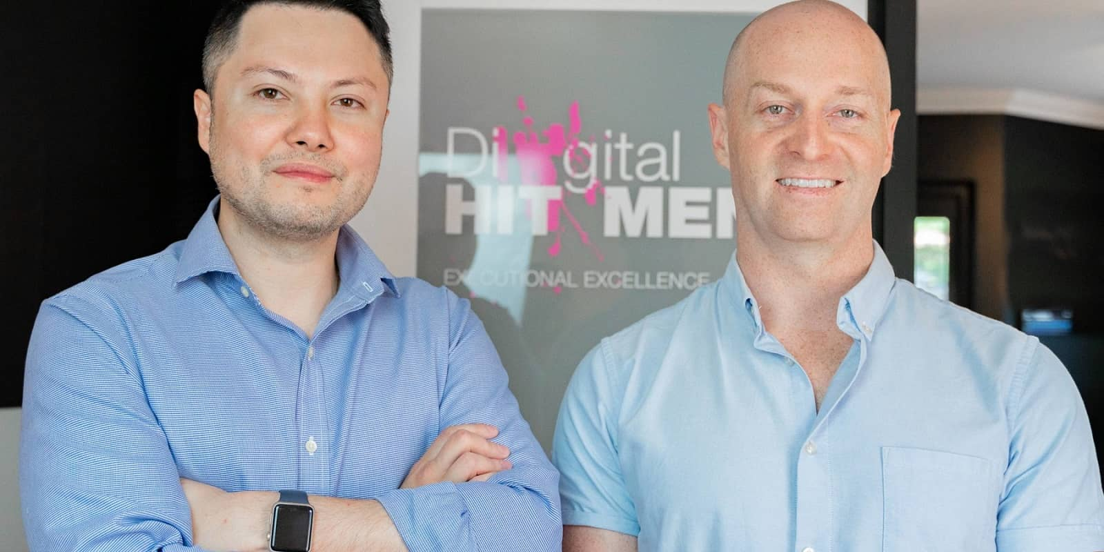 Levi Saunders and Richard Parr discussing online chat and its benefits